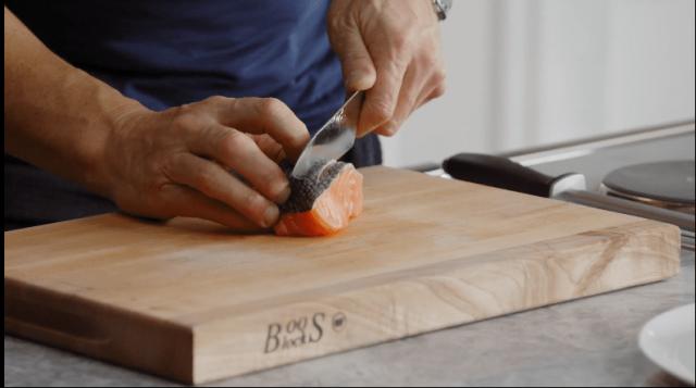 Handling Knives